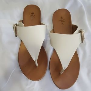 FENNICA SANDALS BY CALL IT SPRING WHITE SZ 9 NEW